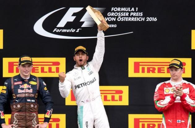 Max Verstappen (Red Bull), Lewis Hamilton (Mercedes) y Kimi Raikkonen (Ferrari).