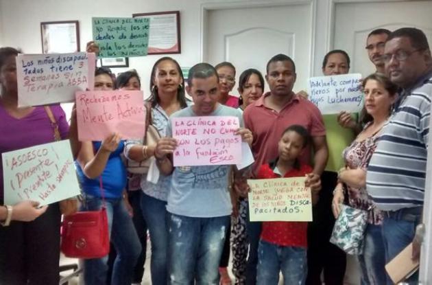 Protesta padres de familia