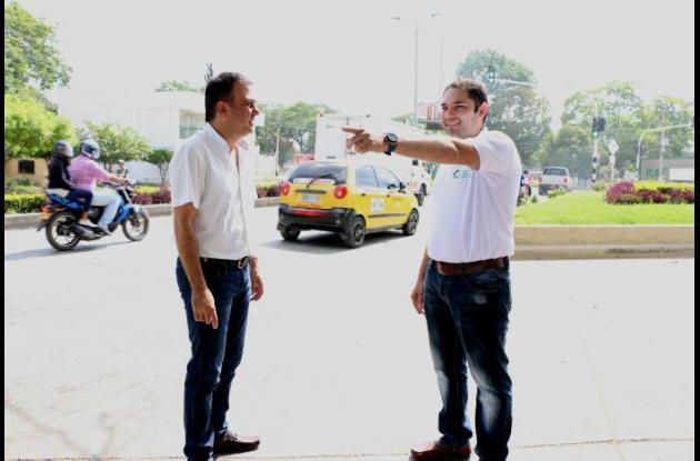 El gobernador de Córdoba, Edwin Besaile, en el sitio donde se construirá la solución vial.