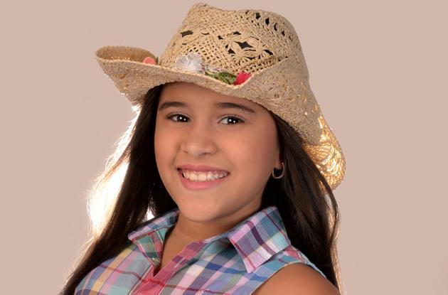 Valerie Roa Castro, capitana infantil de las Festividades de la Virgen del Carmen en Arenal.