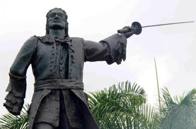 Estatua de Blas de lezo en el Castillo San Felipe de Barajas.