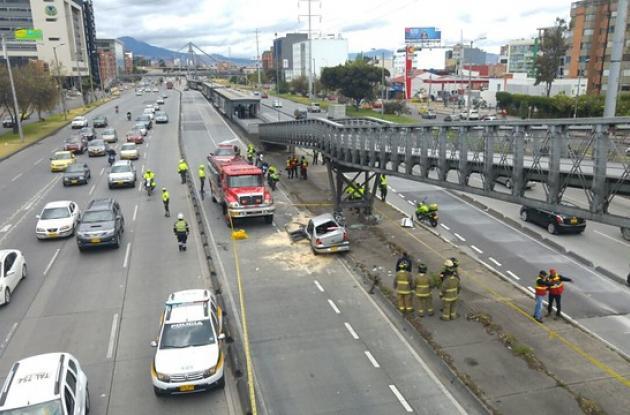 Accidente en Bogotá en la Autopista Norte con Calle 100, en sentido norte-sur, el cual dejó cuatro personas heridas y una muerta.
