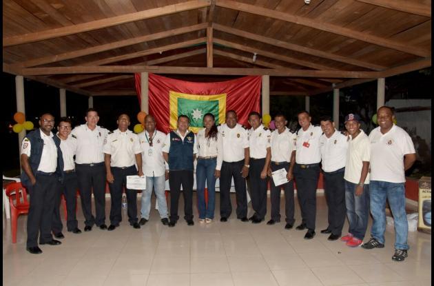 En total 30 bomberos fueron capacitados y ahora son instructores certificados.