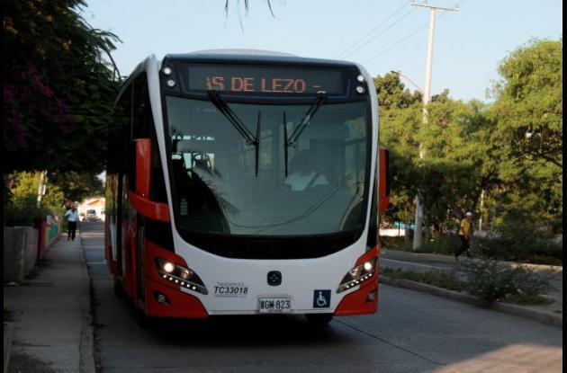 Los buses de Transcaribe cubriendo la ruta alimentadora Blas de Lezo.