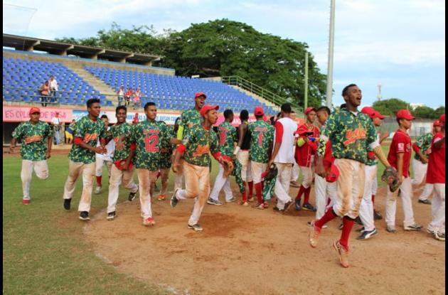 Jugadores de la Selección Bolívar sub 18 celebran el triunfo.