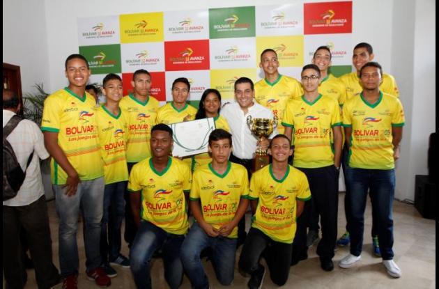 Los deportistas de voleibol, tiro con arco y pesas recibieron incentivos de la Gobernación de Bolívar. El baloncesto de Bolívar, que tendrá acción en casa desde viernes, le apunta a una buena figuración.