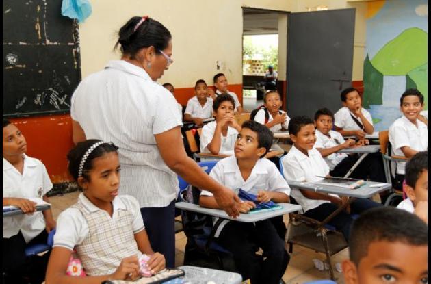 Déficit de maestros en el Distrito