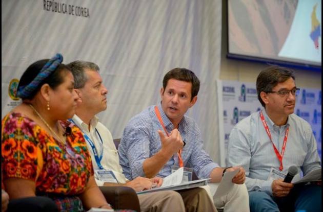 Iván Mustafá, gerente del Fondo de Adaptación en el conversatorio.