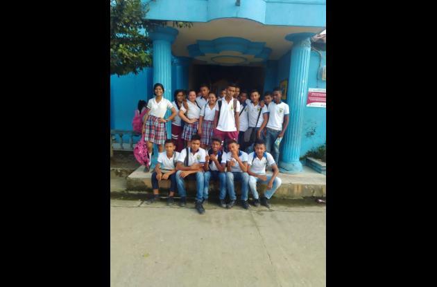 Estudiantes de San Jacinto del Cauca manifestaron que la ausencia de los docentes les está afectando su año escolar.