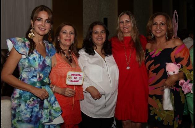 Katty Tinoco, Gina Arenas, Nayslam Tinoco, María Teresa Grisales y Martha de Numa.