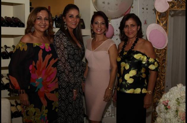 Martha de Numa, Adriana Montoya, Soraya Benedetti y Sonia Yacaman.