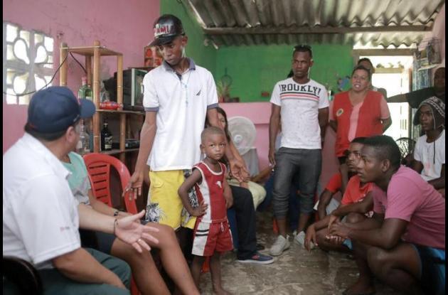 En junio pasado el alcalde Manolo Duque visitó la zona y comprometió a los jóvenes a hacer un tratado de paz.