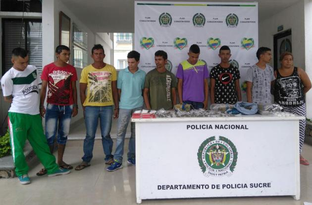 Los supuestos miembros de una banda expendedora de drogas, fueron capturados en allanamientos.