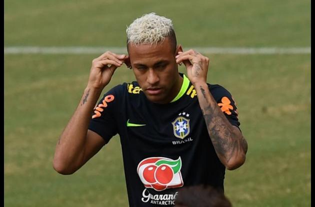 Neymar, genio y figura de Brasil.