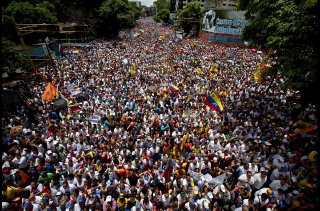 Marcha de opositores de Maduro, en Caracas.