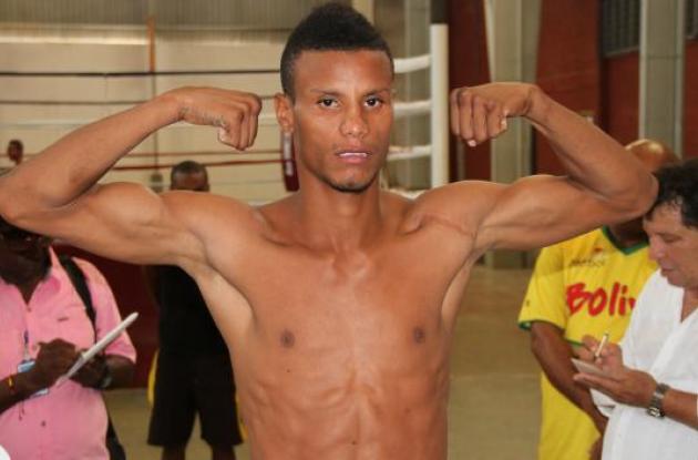 Plácido Ramírez  en el pesaje ayer en el gimnasio Andrés Gómez Hoyos. El soplavientero se declaró listo para ganar.