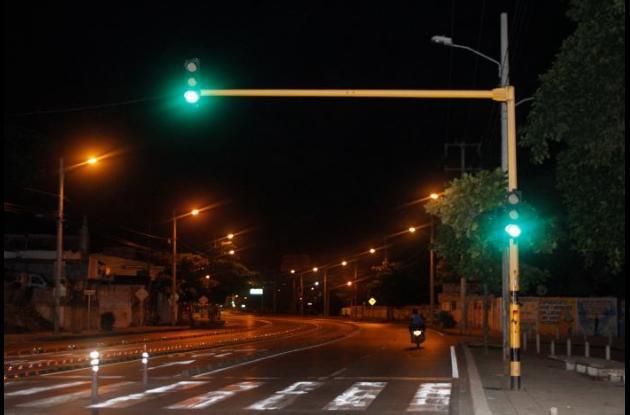 Semáforos en la avenida Pedro de Heredia sin el plan madrugada