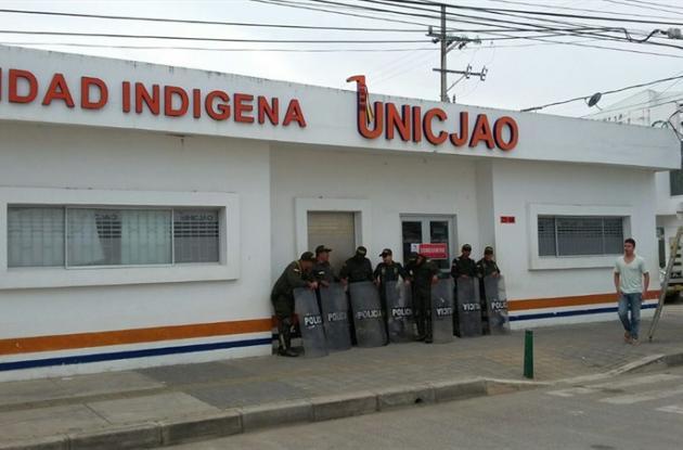 Los sellos que dejó la Policía y la Alcaldía fueron levantados por los indígenas.