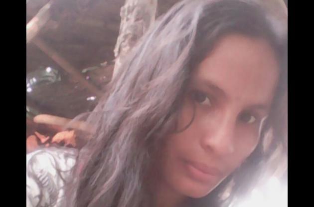 Rocío Mejía, mujer herida. Su marido la acuchilló por celos, en Arroz Barato.