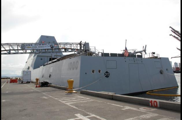 Este barco visualmente imponente pero al mismo tiempo difícil de avistar, tiene gran capacidad de computo lo que permite a la marina estadounidense cumplir misiones marítimas, así como incorporar nuevas tecnologías para controlar ambientes emergentes de seguridad.
