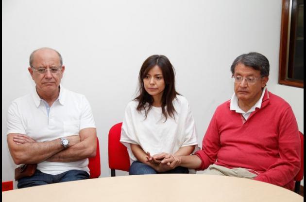 Familiares de Marina Uzurieta, ecuatoriana que desapareció en Islas del Rosario tras hundimiento de bote.