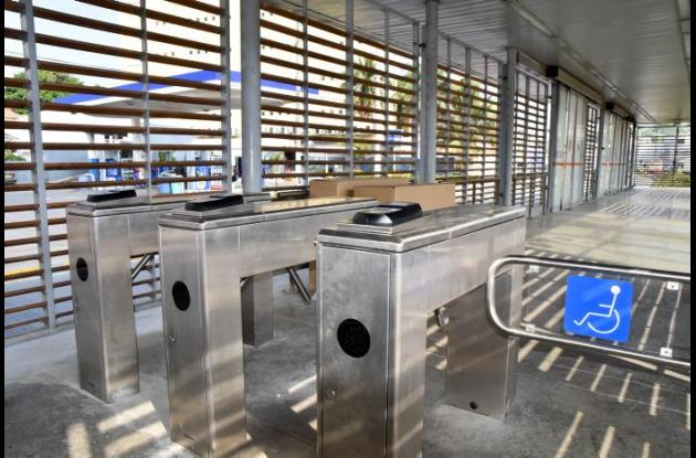 Torniquetes en estación de Transcaribe