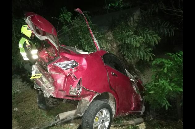 Tres muertos y dos heridos dejó accidente en Arjona.