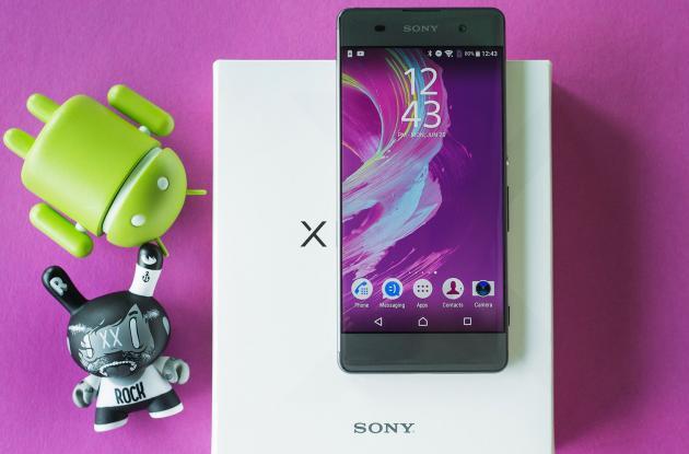 El Sony Xperia XA tiene una cámara muy buena pero no mejor que otras opciones de mercado que puedes elegir a un precio mucho menor.