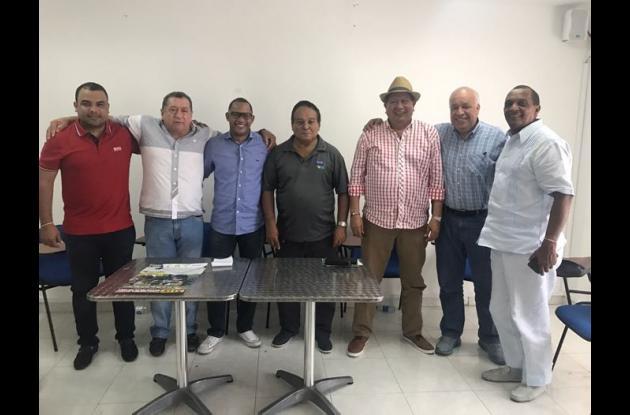 El juego Órgano de Administración de la Federación Colombiana de Sóftbol elegido ayer en el Salón Kid Pambelé de Iderbol.