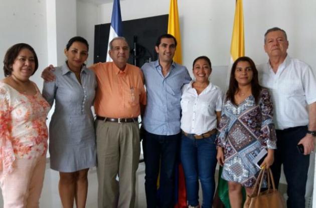 El rector de la Universidad de Cartagena, Edgar Parra, reunido con dirigentes de Cereté.