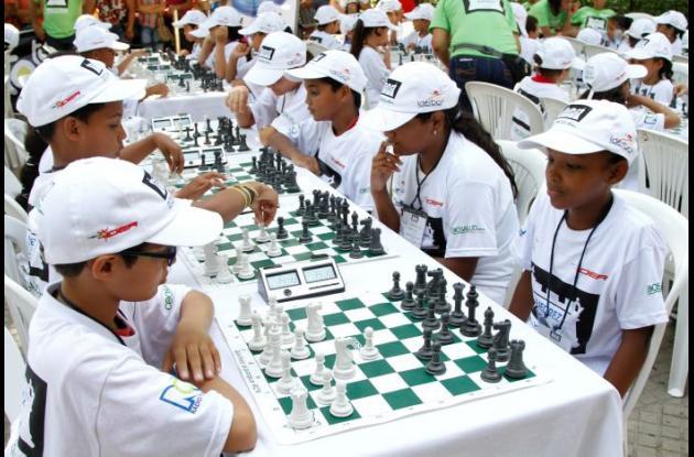 La jornada inaugural del XI torneo Ajedrez Al Parque RCN-Coosalud tendrá 100 jugadores en 8 categorías.