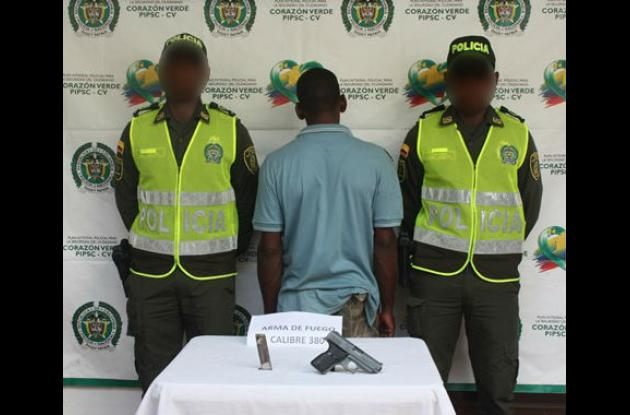 Alias 'Juanga' fue capturado en San Pedro Mártir. Le hallaron una pistola 9 milímetros.