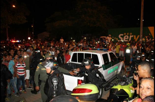 Caravana de traslado del cuerpo de Martín Elías de Sincelejo a Valledupar.