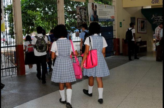 Estudiantes durante el regreso a clases