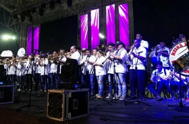 La gran banda se conformó con 150 músicos participantes.