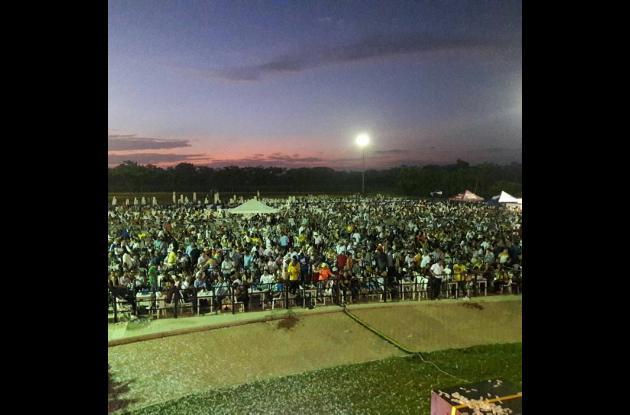 Más de diez mil personas se congregaron durante la alborada pelayera.