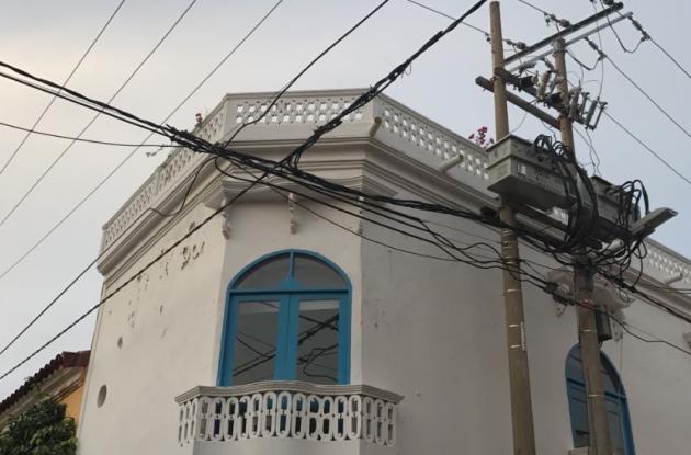 El arquitecto Esteban Chávez se electrocutó mientras tomaba una foto en una azotea en una casa en el Centro Histórico de Cartagena.