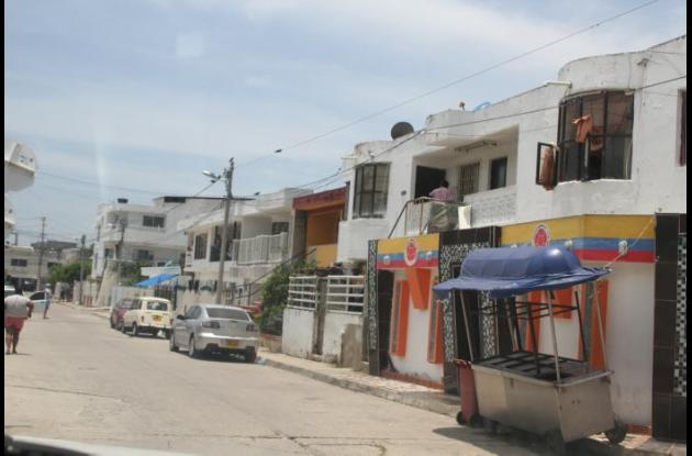 Miguel Puello fue asesinado en la calle Las Carretas de Paseo Bolívar. Lo balearon en medio de riña de pandillas.