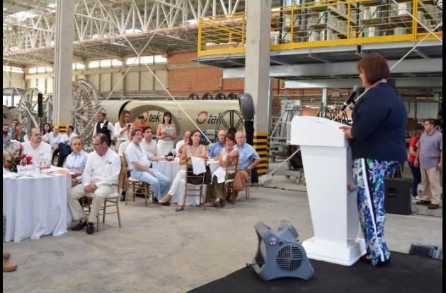 La ministra durante su intervención en la inauguración de la planta de O-tek.