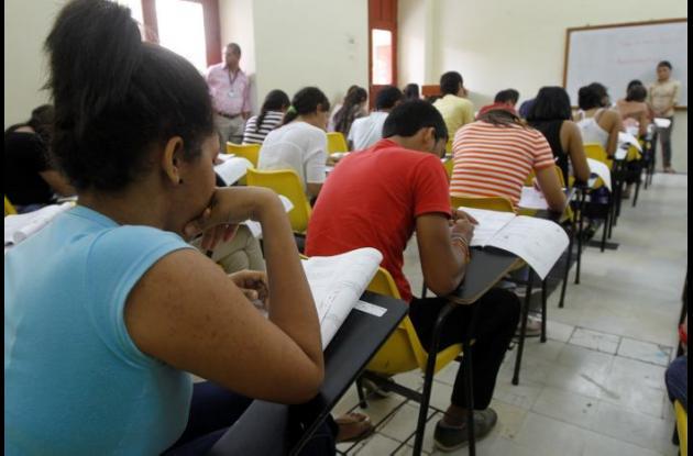 Examen de admisión en la UdeC