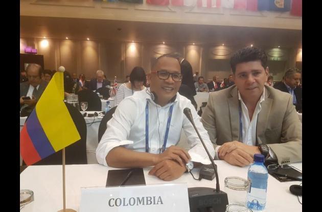 Edwin Díaz y Jimmy Char, presidentes de la sFederaciones de Sóftbol y Béisbol de Colombia.