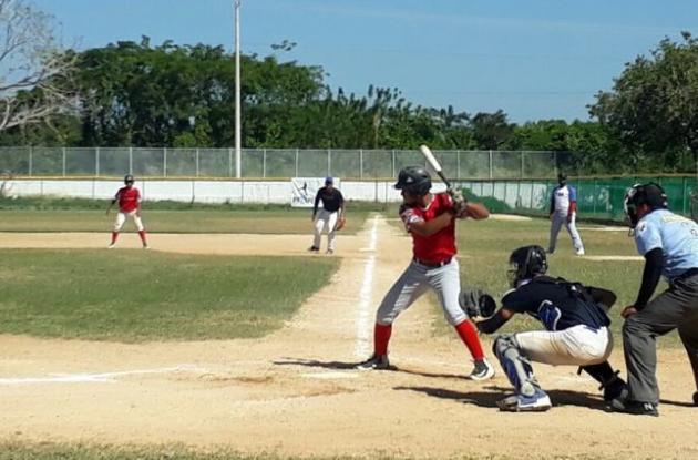 Dos buenos partidos se realizaron ayer en el estadio de Takurika, en el marco del Béisbol de Desarrollo Copa Suirtigás-Canal Cartagena.