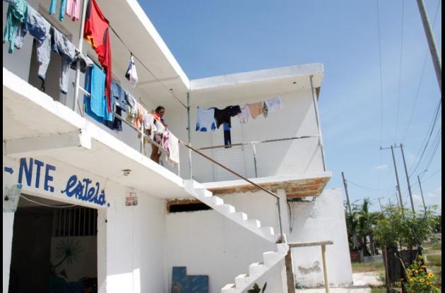 Camilo Restrepo fue acuchillado en la pensión donde vivía, en Manzanillo del Mar. Lo llevaron a un CAP, donde murió.