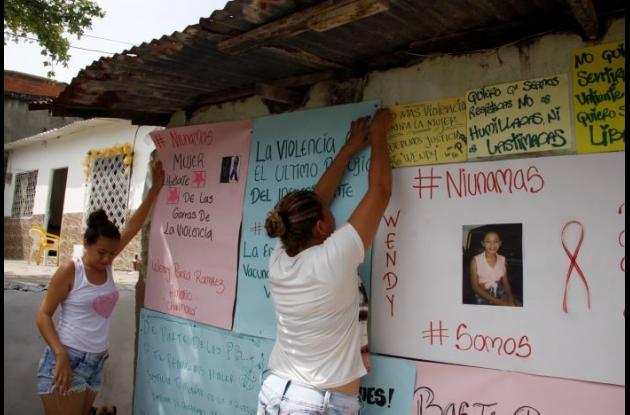 Protesta en Piedra de Bolívar por muerte de Wendy Ramírez Almario.