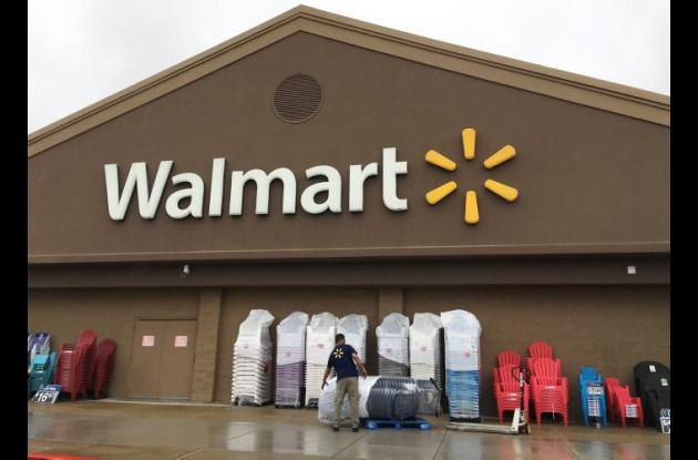 Aumento salarial de empleados de la cadena Walmart será de once dólares la hora.