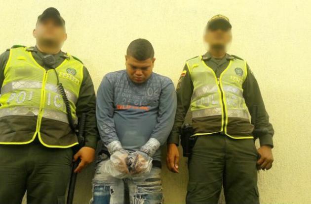 Edwin Flórez Barrios habría ido conduciendo la moto en la que iba el atracador que baleó de muerte al docente Gustavo Castro, en Tacarigua.