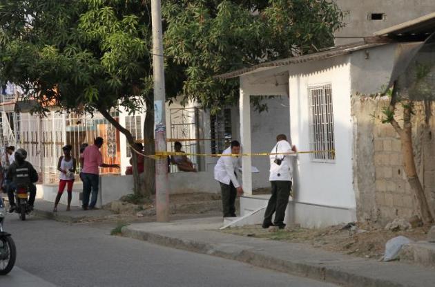 En San Fernando balearon a Karen Figueroa dentro de su casa. Ella sobrevivió y su hija de 7 años murió.