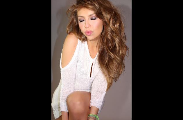 Thalía lanza canción.