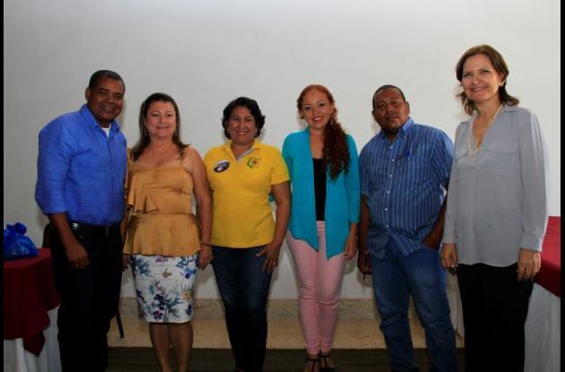 Alejandro Godoy, Dennys Franco, María Auxiliadora Banda, Esther Suárez y Roberto Arzuzar.