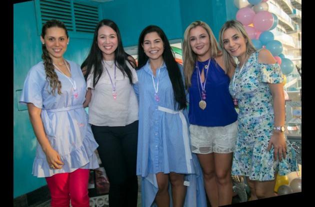 Amelia Tatis, Zune Fram, Laura de Fontalvo, Lourdes Pérez y Elvira Alfonso.